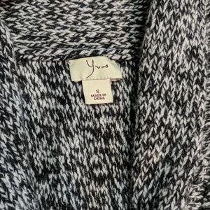 yvos Sweaters - Ivos knitted vest